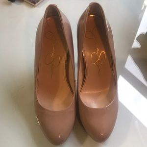 Jessica Simpson nude heels size 5
